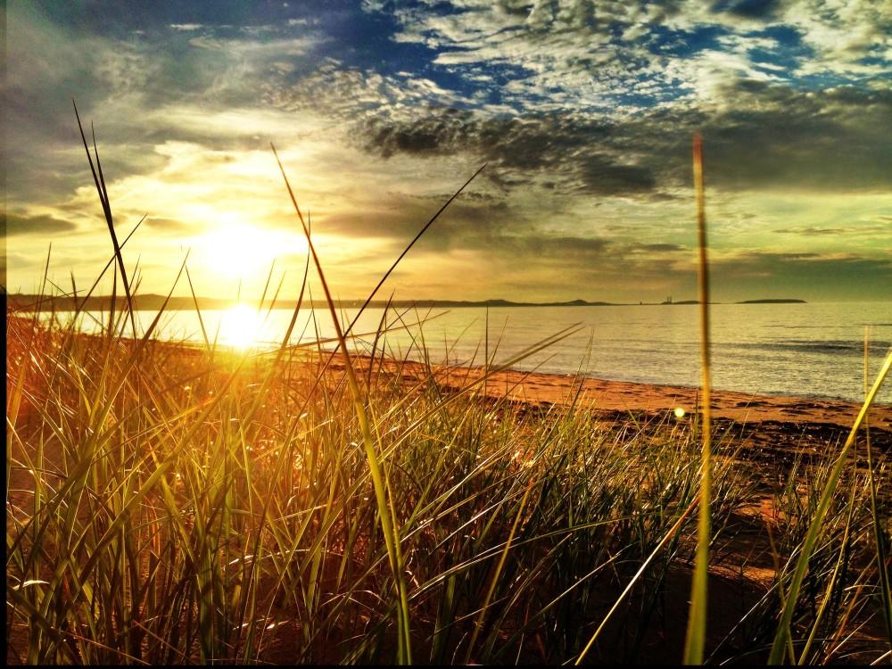 21242_Sunset_on_lake_michigan_small-e1439407211159